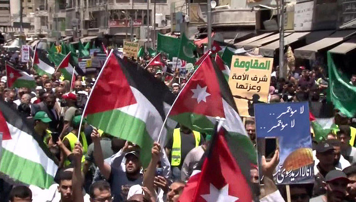 Жители Иордании протестуют против политики Дональда Трампа