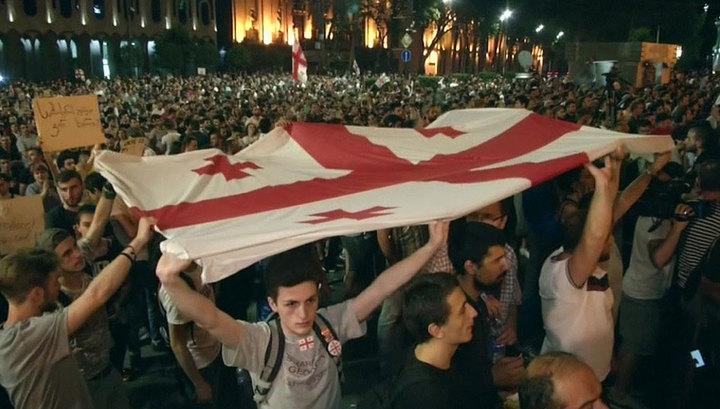 Протесты в Тбилиси не стихают