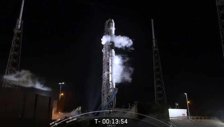 """""""Самый сложный запуск"""" ракеты Falcon Heavy отложен"""