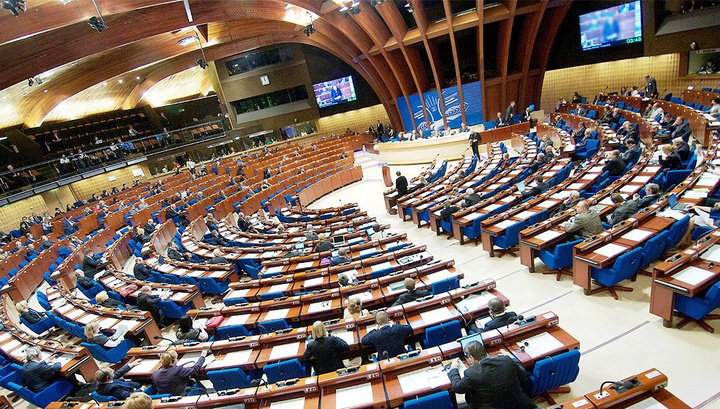 Украинская делегация опротестовала полномочия России в ПАСЕ и покинула зал заседаний