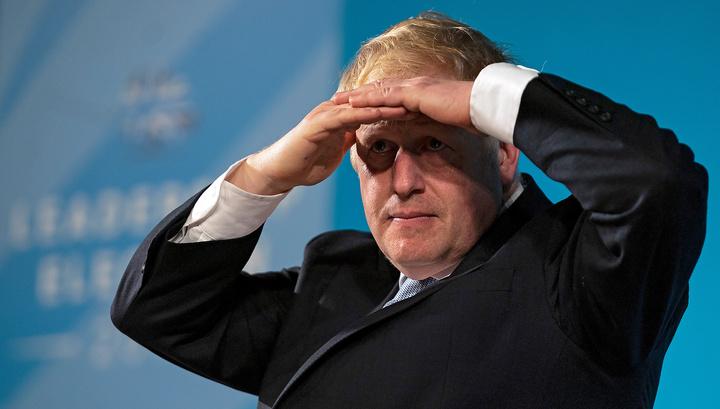 """Политическое вымирание: Джонсону противостоит """"перерожденная Мэй"""""""
