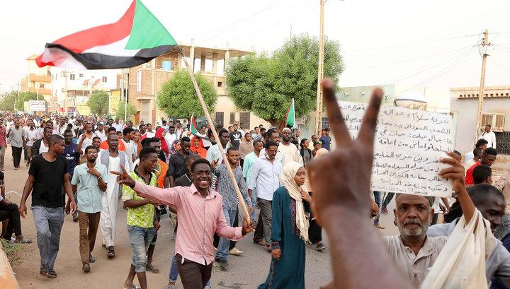 В Судане во время демонстрации снайперы застрелили пятерых человек