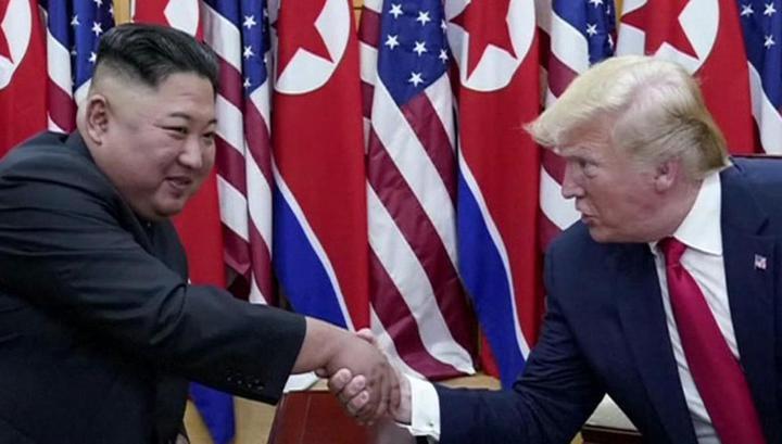 Трамп и Ким встретились на границе и пригласили друг друга в гости