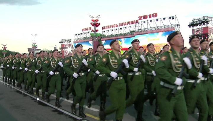 В Минске прошел парад в День независимости