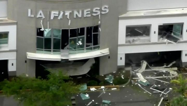 Множество раненых: в ТЦ во Флориде прогремел взрыв