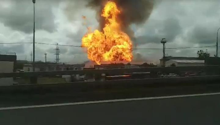 Столб огня 50 метров: в Мытищах горит электростанция