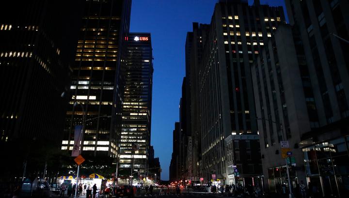 Более 50 тысяч жителей Нью-Йорка остались без света