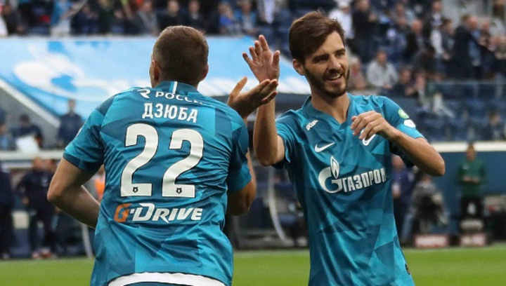 Артем Дзюба (слева) и Александр Ерохин