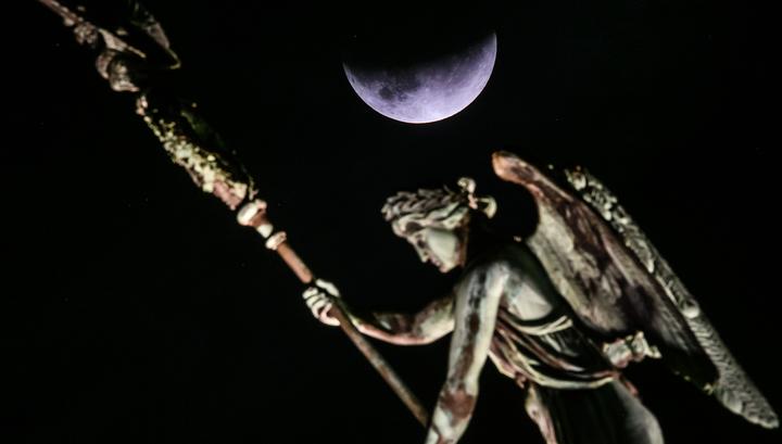 Лунное затмение было видно почти во всех частях света