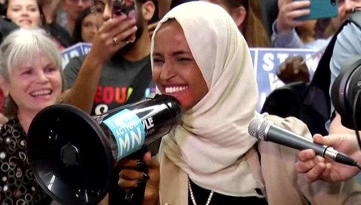 В США прошел митинг в поддержку оскорбленных Трампом женщин