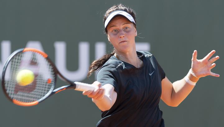 Теннисистка Самсонова остановилась в шаге от финала в Палермо