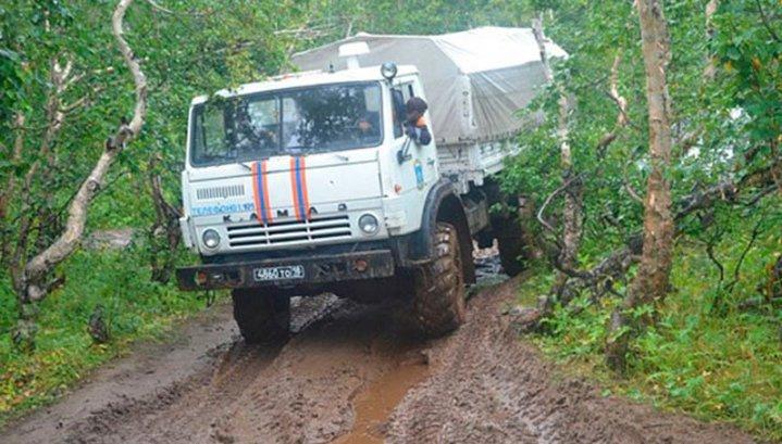 Вездеход с геологами на Камчатке упал в ущелье: двое погибли