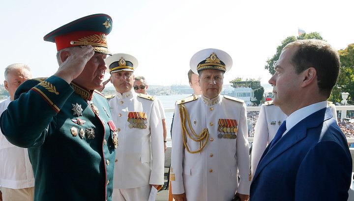В День ВМФ Медведев приехал в Севастополь