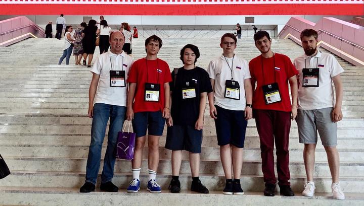 Российская сборная завоевала четыре золота на Международной олимпиаде по информатике photo