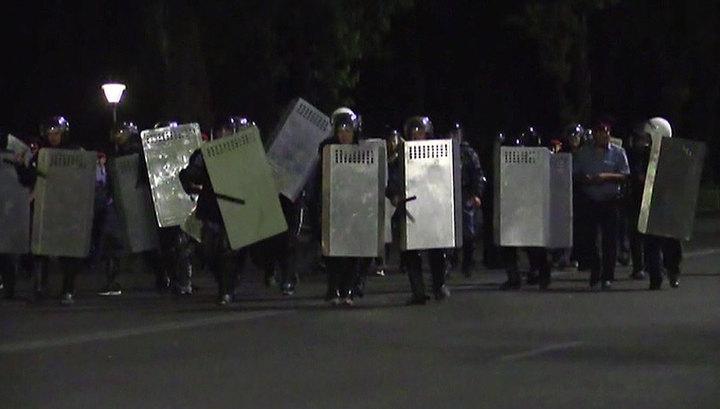 МВД Киргизии выясняет, кто стоит за беспорядками в Бишкеке
