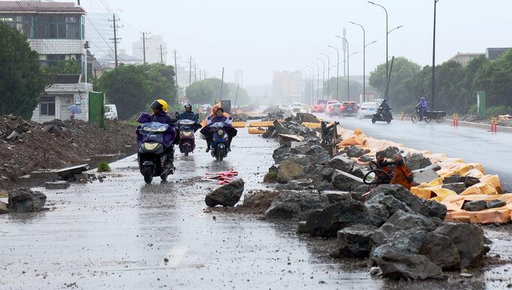"""Штормовое предупреждение: супертайфун """"Лекима"""" из Китая пришел в Приморье"""