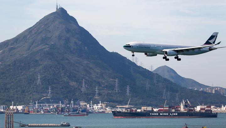 Воздушное сообщение с аэропортом Гонконга возобновлено