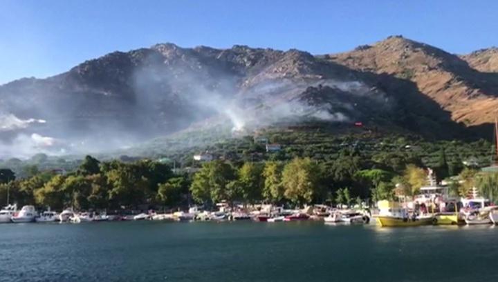 Турция, Испания, Греция: туристы спасаются бегством с горящих островов