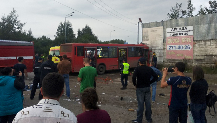 Автобус влетел в угол дома: без жертв не обошлось