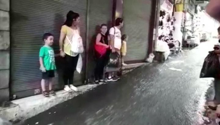 Наводнение в Стамбуле: в подземном переходе утонул мужчина