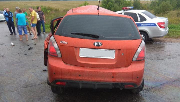 Kia протаранила автобус с пассажирами на встречке между Тулой и Липецком