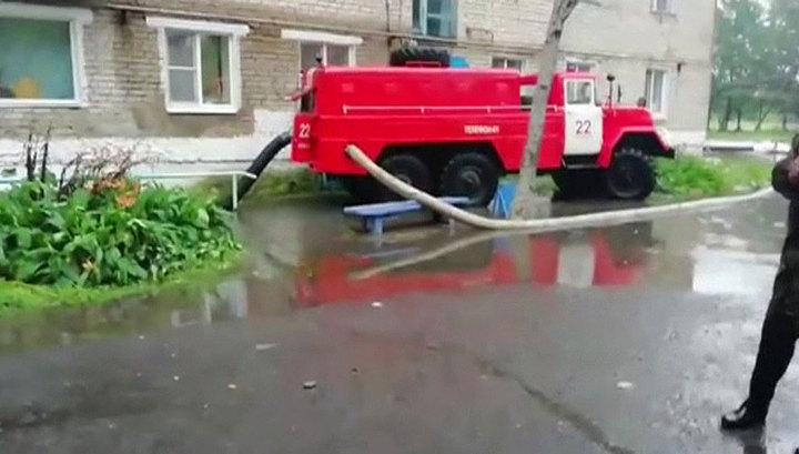 """В Приморье местных жителей начали эвакуировать из-за паводка после тайфуна """"Кроса"""""""