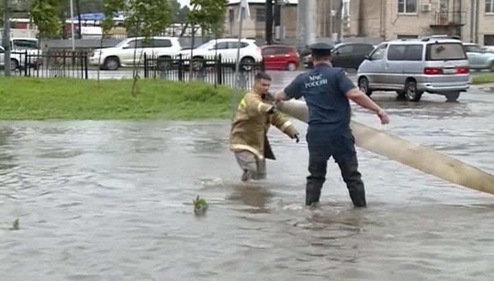 За сутки в Хабаровске почти в 10 раз увеличилось число подтопленных домов