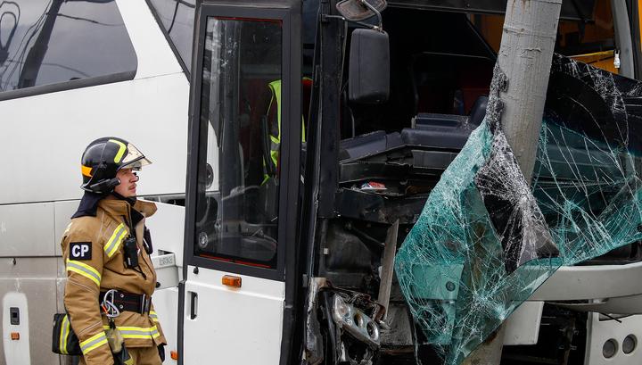 ДТП с туристическим автобусом в Москве: 19 человек доставлены в больницы