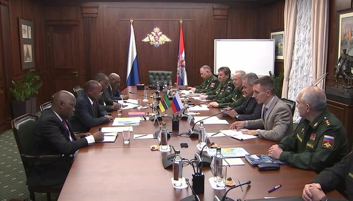 Сергей Шойгу договорился о военном сотрудничестве с Мозамбиком