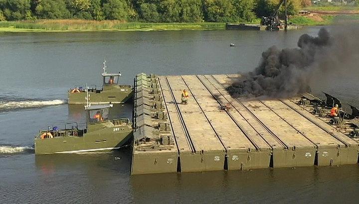 Учения в ЦВО: военные отработали возведение мостов и понтонной переправы