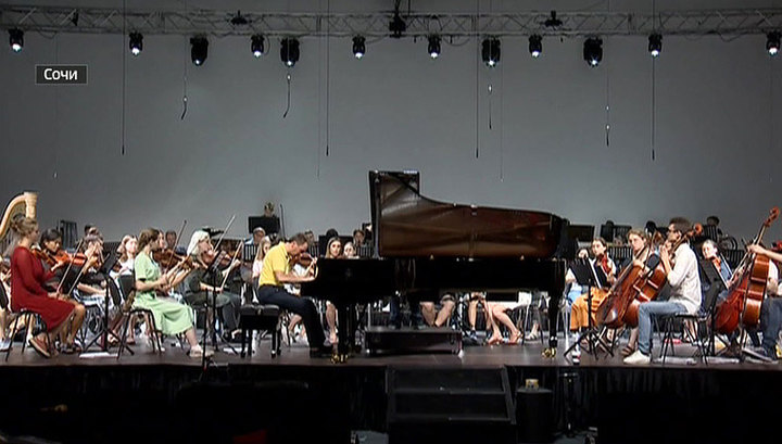 Оркестр Бриттена – Шостаковича готовится к большому туру