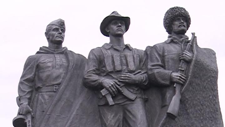 В Дагестане открыли памятник участникам боевых действий в 1999 году
