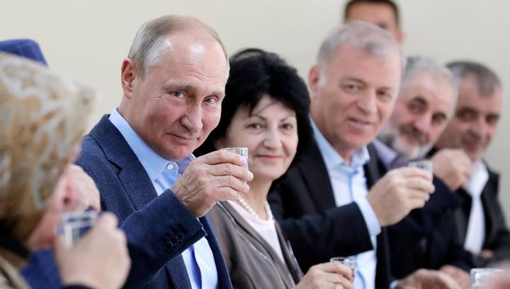 Показать бандитам, что народ не с ними: Путин пообщался с ополченцами Ботлиха