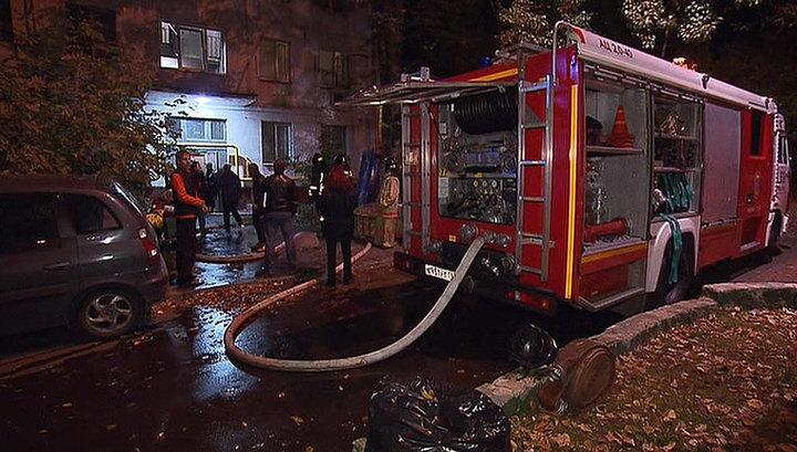 В Москве на Звездном Бульваре загорелся жилой дом, погиб один человек