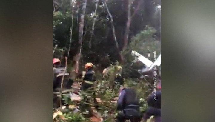 Чудесное спасение: в Бразилии рухнул самолет, но все пассажиры выжили