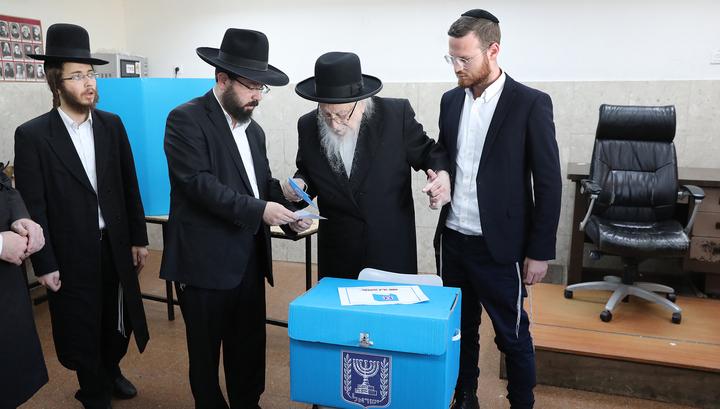 Выборы в Израиле: с небольшим перевесом лидируют конкуренты Нетаньяху