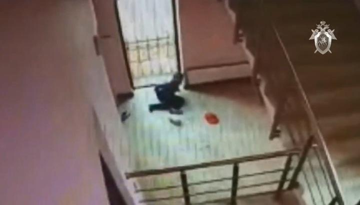 Ребенок упал со второго этажа ТЦ по вине экономного бизнесмена