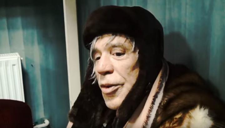 Микки Рурк попросил похоронить его в украинском селе рядом с чужим дедушкой