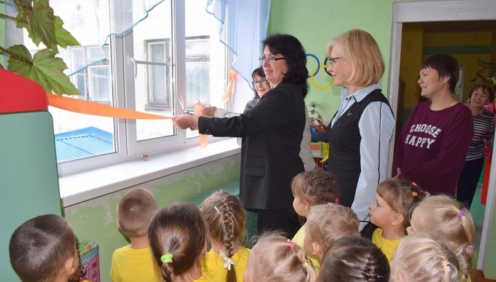 В Коми в детском саду прошло торжественное открытие новых окон и балконных дверей