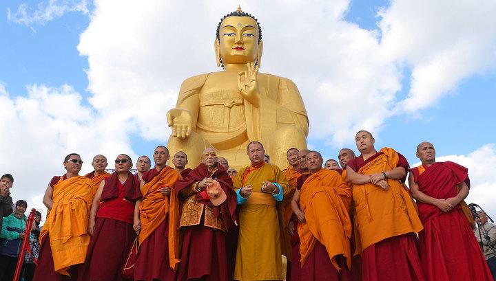 В Калмыкии установили самую большую в Европе статую Будды