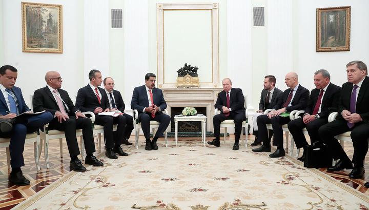 Путин: Россия поддерживает диалог Мадуро с оппозицией
