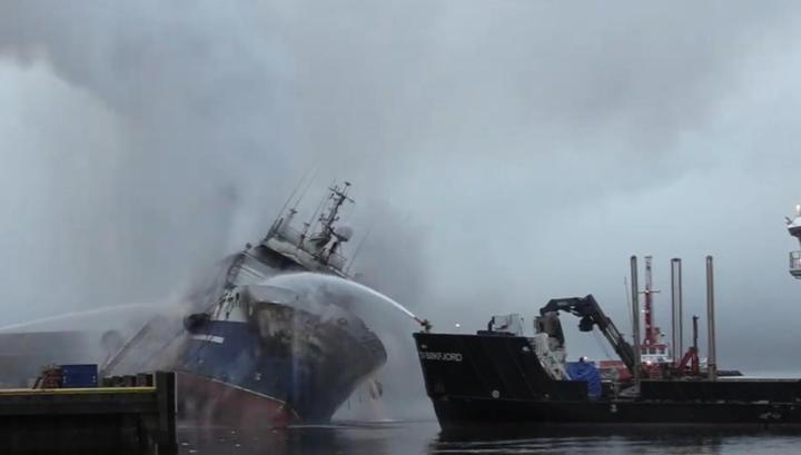 Потушить не удалось: горящий российский траулер затонул в Норвегии