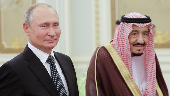 В Саудовской Аравии Путина встретили салютом и кавалерийским эскортом