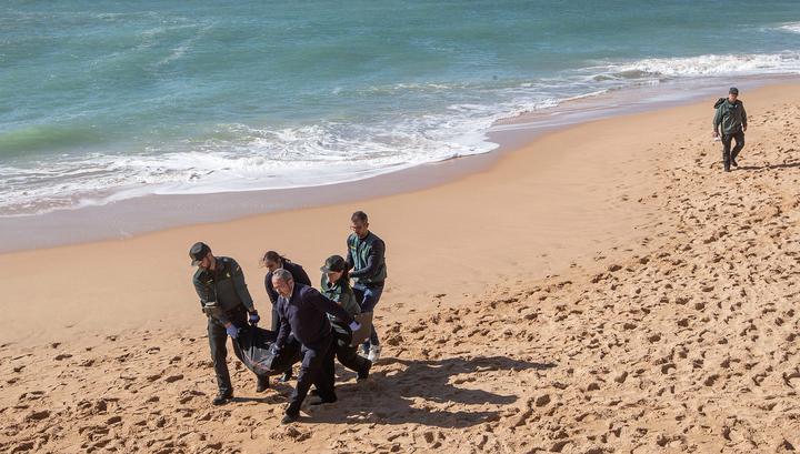 12 тел мигрантов найдены у берегов итальянского острова Лампедуза