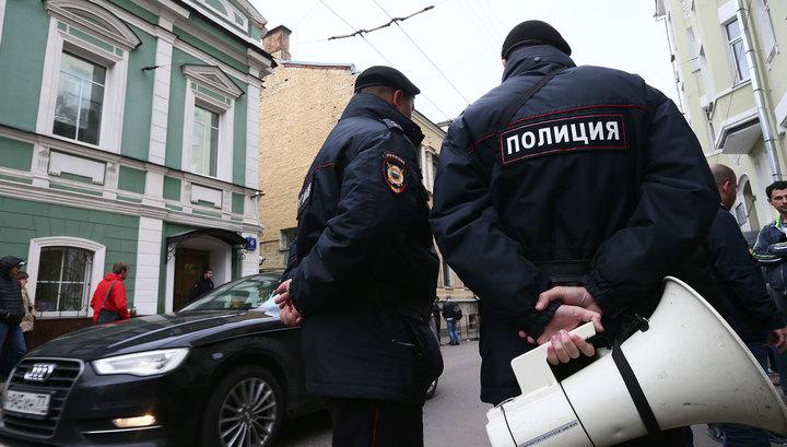 Путин подписал закон о полицейском предостережении