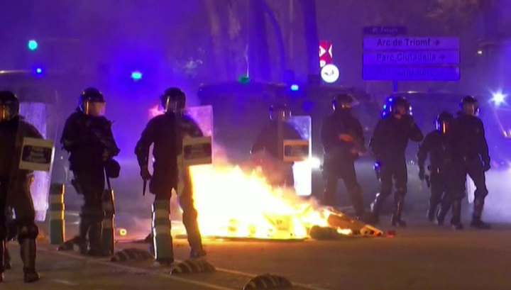 Новые протесты в Барселоне: 28 человек получили травмы