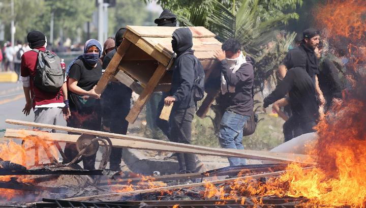 В Чили растет число погибших из-за массовых протестов и погромов