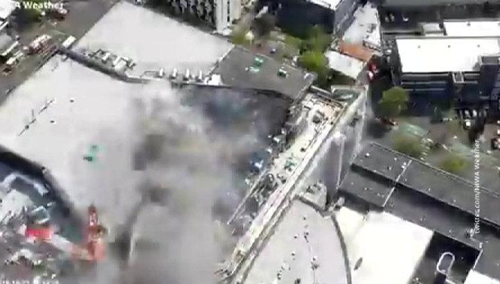 Пожар на крыше конференц-центра SkyCity в Новой Зеландии пока не потушен