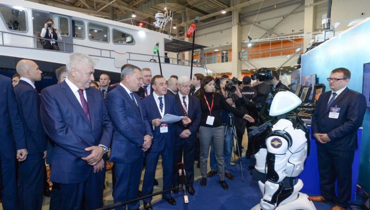 Роботы-полицейские могут появиться в России уже через 10 лет