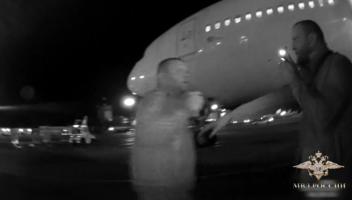 """Таиланд подождет: двух дебоширов задержали в аэропорту """"Толмачево"""""""